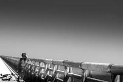 BREEZE (majovilamas) Tags: white black blanco 50mm monocromo negro capture playas puertos costas perspectivas majovila majovilamas