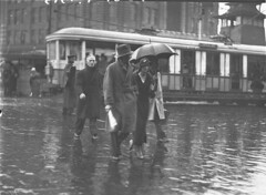 Heavy rain scenes in the City [Sydney], 1935 / by Sam Hood