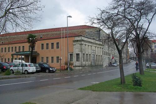 Tekel deposu, Paşalimanı, Üsküdar, İstanbul, pentax K10d