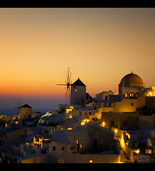 Santorini Windmills at Oia Sunset (Greece) (Angelo Bosco) Tags: sunset red windmill beauty yellow relax landscape tramonto aegean santorini greece giallo grecia ia romantic rosso bianco soe romantico oia paesaggio cicladi aegeansea  muliniavento kyklades  abigfave  citrit overtheexcellence   goldstaraward colourednotes angelobosco notioaigaio