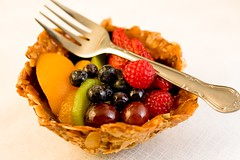 honey almond mixed fruit tart
