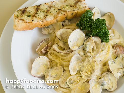 Vongole Pasta (Php 185)