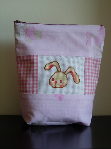 Rabbit head pochette