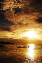 Sunrise at Sugar Beach: Bantayan Island. (kamalayan) Tags: beach sunrise cebu bantayan sugarbeach kamalayan reuelmarkdelez
