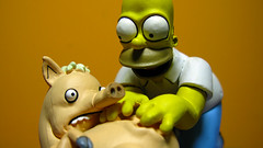 Spiderpig y Homero 0661 (MOiSTER) Tags: wallpaper closeup widescreen homer thesimpsons fondodeescritorio spiderpig puercoaraa