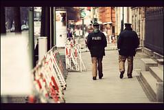 Berlin|8 - Polizei (manlio_k) Tags: berlin police scene polizei hdr manlio photomatix tonemapped tonemap walinkg manliok manloiocastagna
