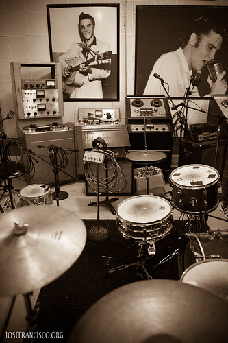 Inside Sun Studio (B) by josefrancisco.salgado.