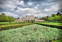 The Parterre, Cliveden (Rockett73) Tags: sky grass clouds garden hedge nationaltrust cliveden clivedenhouse nikond40x d40x rockett73