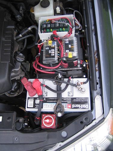 3484742996_4b6e631782?v=0 custom fuse relay boxes power distribution etc ? expedition portal C-Class Mercedes-Benz Auxiliary Fuse Box at mifinder.co