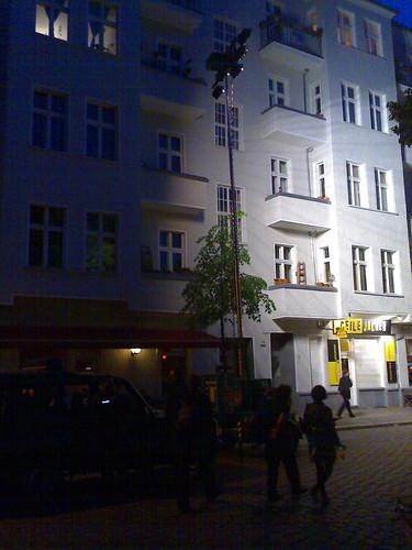 Boxhagener Platz Boxi Berlin Friedrichshain Walpurgisnacht 30. April 2009 Randale Polizei Scheinwerfer