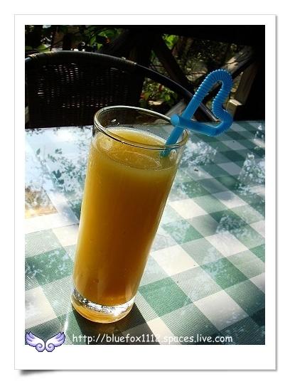 090514-5湖畔花時間32_早餐-晨光果汁