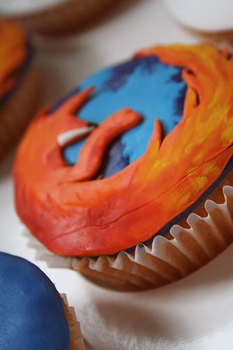 Firefox cupcake by M i x y.