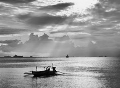 Seascape in Black and White (Grandpa@50) Tags: bigmomma thechallengefactory herowinner