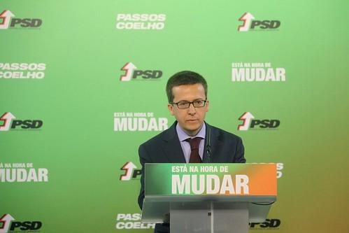 2011-05-13-Conf Imprensa Prof Carlos Moedas sobre a RecessaoIMG_0285