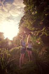 Our Summer Path (Sachie Nagasawa - somewhair) Tags: summer love nature nikon couple friendship interior story amour histoire t amity twogirls sachie nagasawa edito deuxfilles somewhair