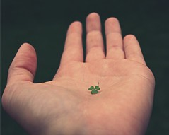 [Free Image] People, Body Parts, Hand, Trifolium Repens / Clover, 201106170700