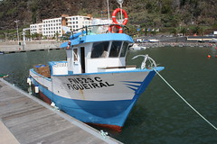 Barco de Pesca (Bernardo SF) Tags: sea portugal canon boats island mar fishing barcos pesca madeira calheta madeiraisland ilustrarportugal