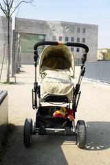 Neuer Kinderwagen I