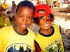 Niños vendedores en la Playa de Guarayuba - Bahia - Brasil