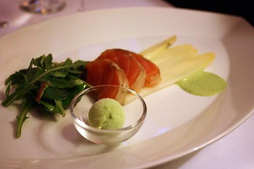 Marinovany losos s bilym chrestem a stovikova zmrzlina