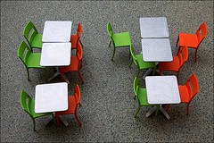 aufgestanden (loop_oh) Tags: brussels orange green table chair gallery belgium belgique belgie chairs euro eu bruxelles galerie stadt tables capitale grn passage tisch brssel brussel gruen ville stuhl stad nato sthle belgien tische ravenstein stuehle senne gewest eurocontrol bruessel hoofdstedelijk galleryravenstein
