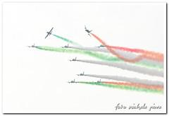 FRECCETRICOLORI0047 (michele.giove) Tags: show roma italia smoke air cielo 2009 ostia aereo maggio aermacchi freccetricolori frecce tricolori italiana fumo tricolore aerei freccie velivolo acrobazie esibizione acrobatiche