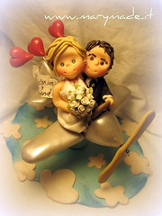 Cake topper - Pilot and his wife (marytempesta) Tags: hearts flying fimo planes caketoppers weddingcaketoppers