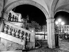 Venice by night (Noeky1980 Photography) Tags: venice bw white black monochrome canon photography fotografie zwartwit grayscale dslr zwart wit hdr venetie blackand zw nuray spiegelreflex 400d canon400d noeky noeky1980 grijswaarde nuray1980 noeky1980photography monogroom