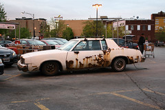 Hot Mess (Flint Foto Factory) Tags: city urban bw chicago store illinois spring parkinglot gm granville decay north broadway may rusty dominicks grocery carpark 1980 thursday coupe edgewater olds supreme oldsmobile thorndale beater hoopty cutlass abody generalmotors 2door glenlake 2011 hotmess worldcars personalluxury