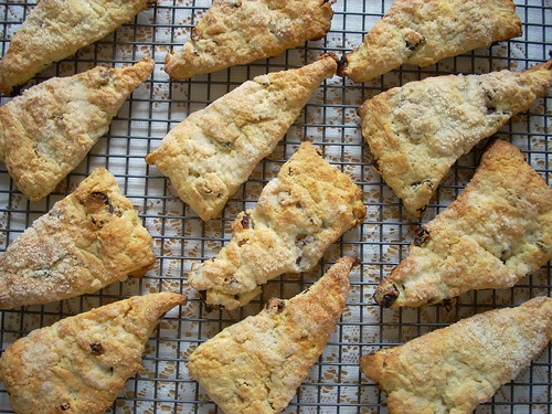 vanilla fig scones