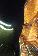 "Tour Eiffel ""Zooming"" - 30 (Stephy's In Paris) Tags: light paris france tower luz monument night noche nikon torre tour monumento eiffeltower illumination eiffel lumiere toureiffel torreeiffel champdemars 75007 francia nuit stephy zooming parisnight iluminacin gustaveeiffel paris7 damedefer d80 nikond80 parisnuit monumentofparis monumentdeparis stephyinparis paris7me paris7mearrondissement parisnoche parisviime"