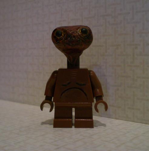 ET custom minifig