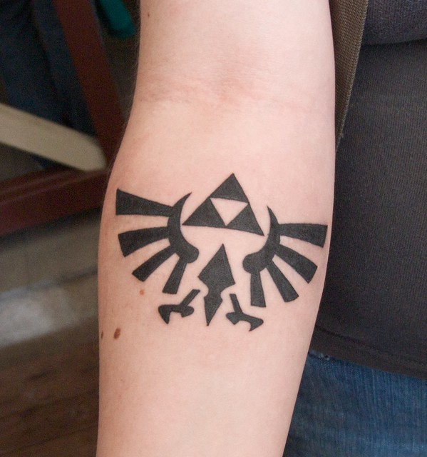 Awesome 1 day old Zelda Tri-Force Tattoo