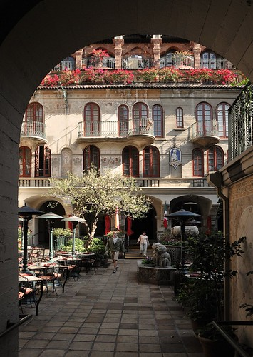 Mission Inn_Riverside_archway