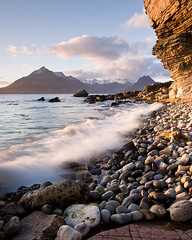 Evening Light at Elgol - Isle of Skye (David Kendal) Tags: sunset seascape skye waves isleofskye tide shoreline wave pebbles cuillinhills goldenhour hightide honeycombrock elgol rockyshore lochscavaig