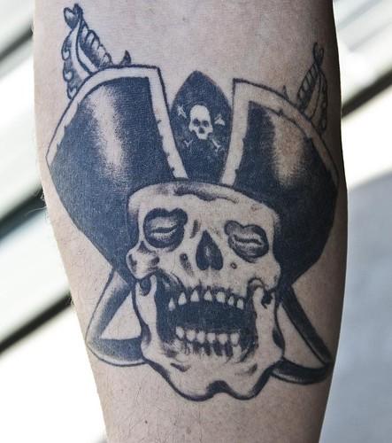 tatuaje de calabera. Calabera. Color. Tatu. Tatuaje