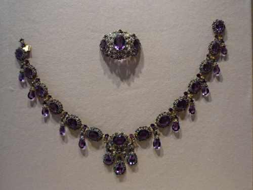 met jewellery