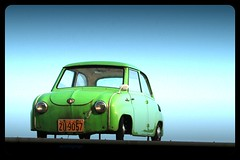 brazilian bubble (essichgurgn) Tags: auto brazil green car rio t automobile champion vert voiture coche micro bubble carro grn macchina glas 250 isetta oto automvil messerschmitt spatz karu goggomobil motorcar kleinwagen cotxe  kocsi     samochd  vehculo otomobil  dingolfing  goggo automobiel   vettura  kleinstwagen anderl  bl goggocoupe avtomobil makin   karru mba          awto oyto