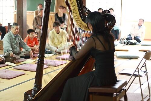 葵ハープ教室コンサート 生徒さんによる演奏