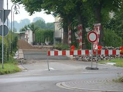 Dorfstraße vom Kreisverkehr aus gesperrt