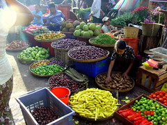 Myanmar / Burma Market (Eustaquio Santimano) Tags: red orange green yellow photo market burma tomatoes vegetable carrot myanmar carrots coloured chillies waterchestnut abigfave