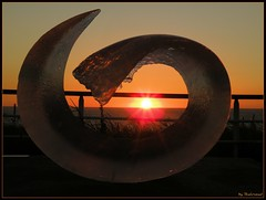 Wave by sunset (Shahrazad26) Tags: holland art kunst nederland thenetherlands beelden paysbas sculptures binnalekijkduin2009