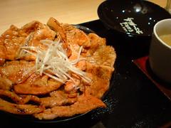tokachi style pork bowl,hoe buta tei,ginza (hiroohi) Tags: ginza 銀座 hanabatake 豚丼 花畑牧場 ホエー豚亭