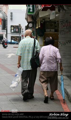 你拍攝的 20090625數位攝影_西門町街拍155.jpg。
