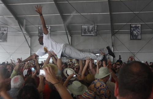 Glen David Andrews (2011) 06