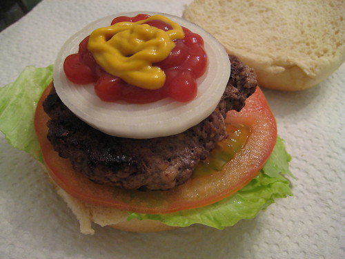 Hamburger with Onion/Lettuce/Tomato