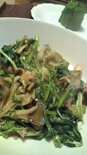 青菜と水菜と舞茸と豚肉と。