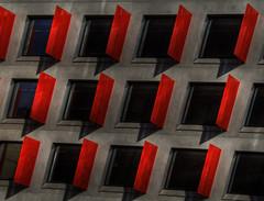 Cadencia (hoskitar) Tags: barcelona windows red black cat rojo arquitectura negro bcn ventanas catalunya raval simmetry simetria repeticin cadencia reiteracin vazquezmontalbn