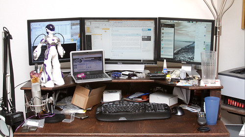 What is on a GeekDad's desk? - Mini9IMG_6518
