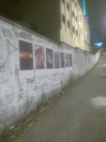 Cartazes e o Muro